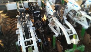 IScan applicato su una macchina per eseguire Strip Till sul suolo
